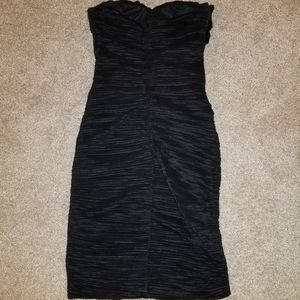 (EUC) Daisy Black Bodycom Juniors Dress sz small